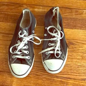 Black converse low-tops size 6mens/size 8 women's